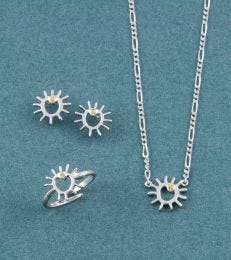 A Sunny Day Jewellery Set by Fourseven