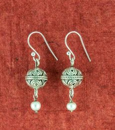 Pearl Art Bead Earrings composition picture