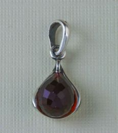 January Birthstone Pendant with Garnet by fourseven