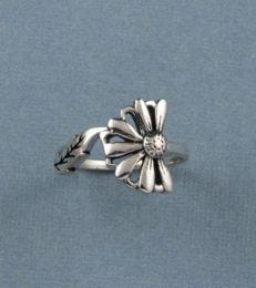 Les Fleurs Half Daisy Ring by fourseven