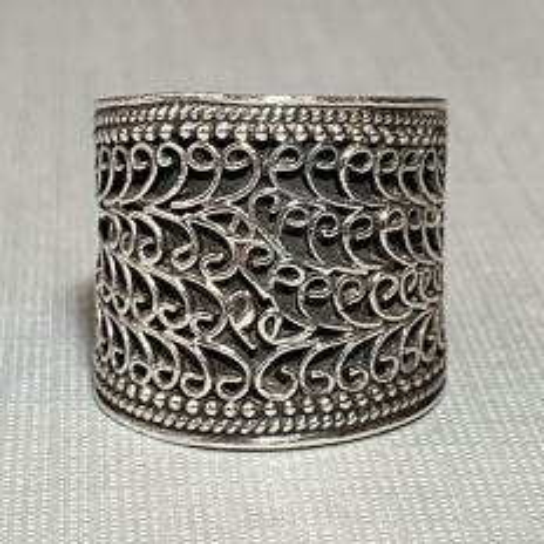 Praarambha Silver Lattice Wrap Ring Front
