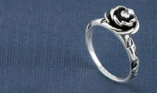 Blooming rose ring in silver