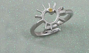 A sunny day adjustable ring in silver