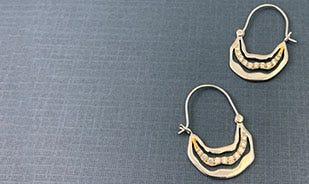 Les fleurs plumeria dangler earrings for women